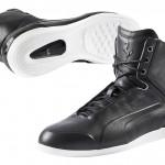 Ferrari Limitate Footwear Collection in schwarz von der Seite und von unten