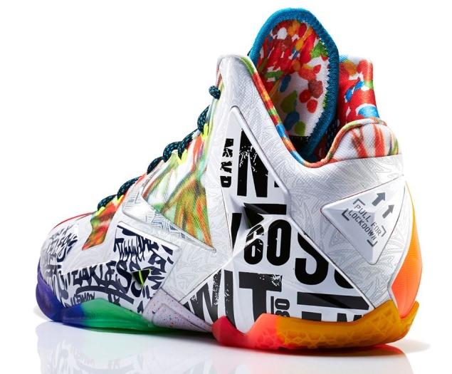 Nike LeBron 11 'What The' Edition linker Schuh von Hinten