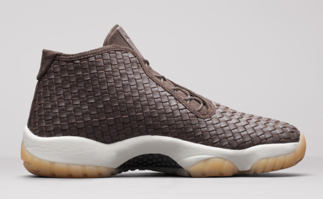 Air Jordan Future Premium Dark Chocolate von der Innenseite
