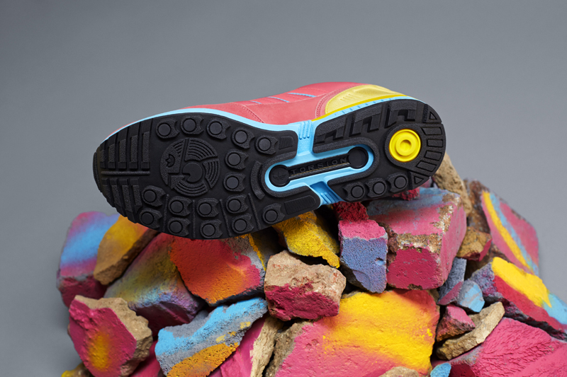 adidas zx8000 fall of the wall sneaker pack von unten